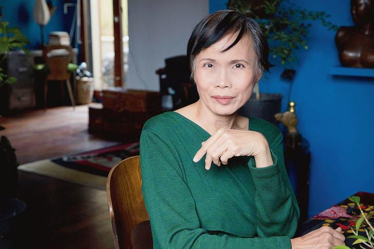 Nhà văn, nhà thiết kế ANna Moi.