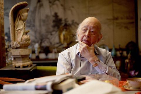 Giáo sư, học giả Lê Thành Khôi còn là chuyên gia tư vấn cho một số tổ chức lớn của thế giới.