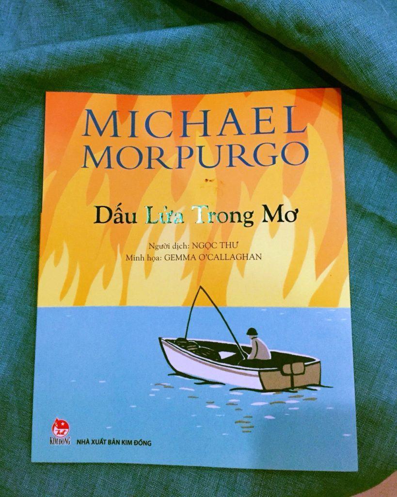Bìa cuốn sách Dấu lửa trong mơ.