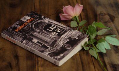 Lạc lối về, cuốn tiểu thuyết được in lại tại Việt Nam năm 2018, dịch giả Huỳnh Phan Anh chuyển ngữ.