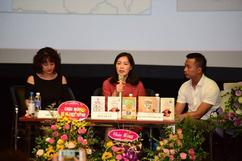 Nhà văn - dịch giả Quỳnh Lê trong buổi giới thiệu sách Những quê huong bé nhỏ do NXB Trẻ và Trung tâm văn hoá Pháp tổ chức tại Hà Nội. (Ảnh: Huy Thông)