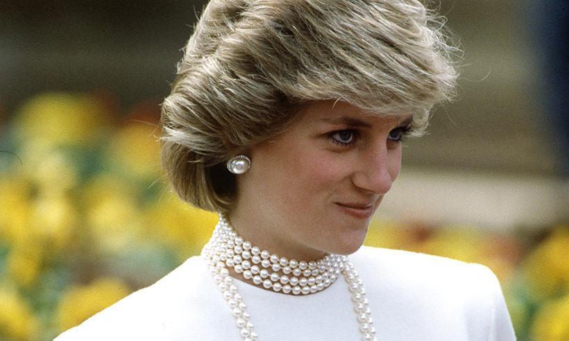 Công nương Diana - biểu tượng của sự thanh lịch và lòng nhân ái.