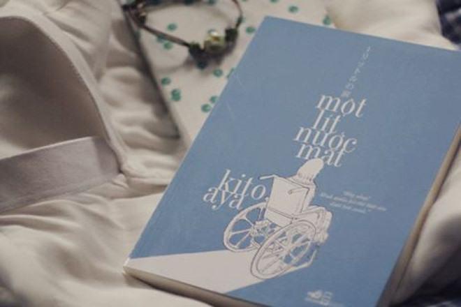 Một lít nước mắt là cuốn tự truyện nổi tiếng của Kito Aya. Tác phẩm đã được đạo diễn Riki Okamura chuyển thể thành phim với sự tham gia diễn xuất của nữ diễn viên Asae Oonishi.