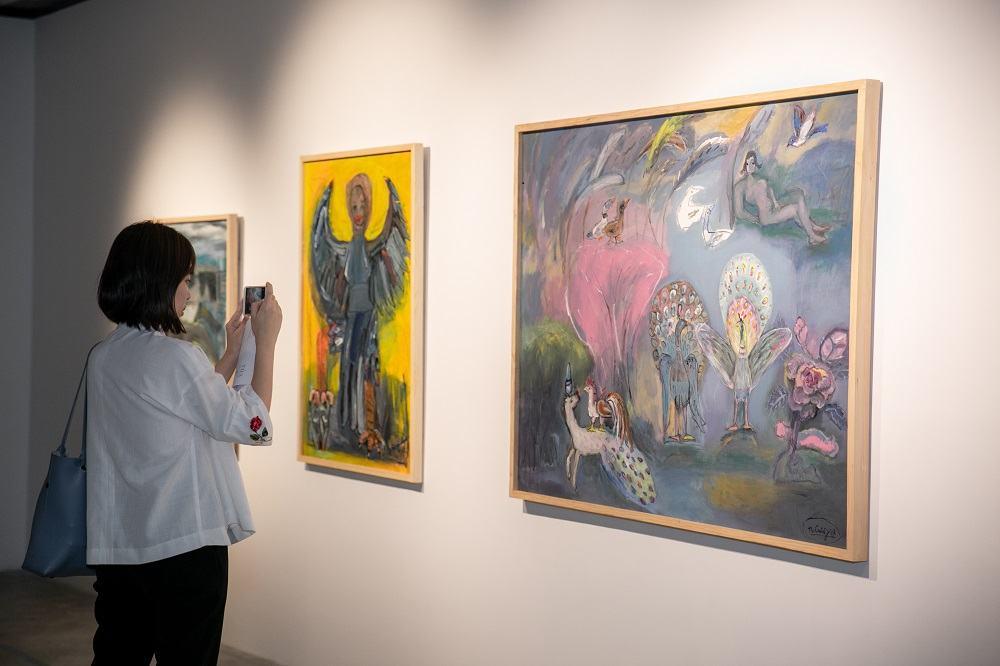 """Các tác phẩm của họa sĩ Nguyễn Nghĩa Cương được giới thiệu tại triển lãm """"Tỏa 2""""."""