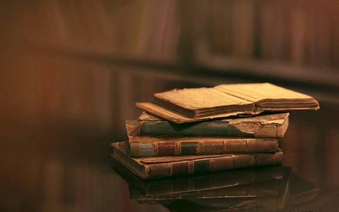 Tủ sách cũ những ngày ấu thơ - Nguvan.vn