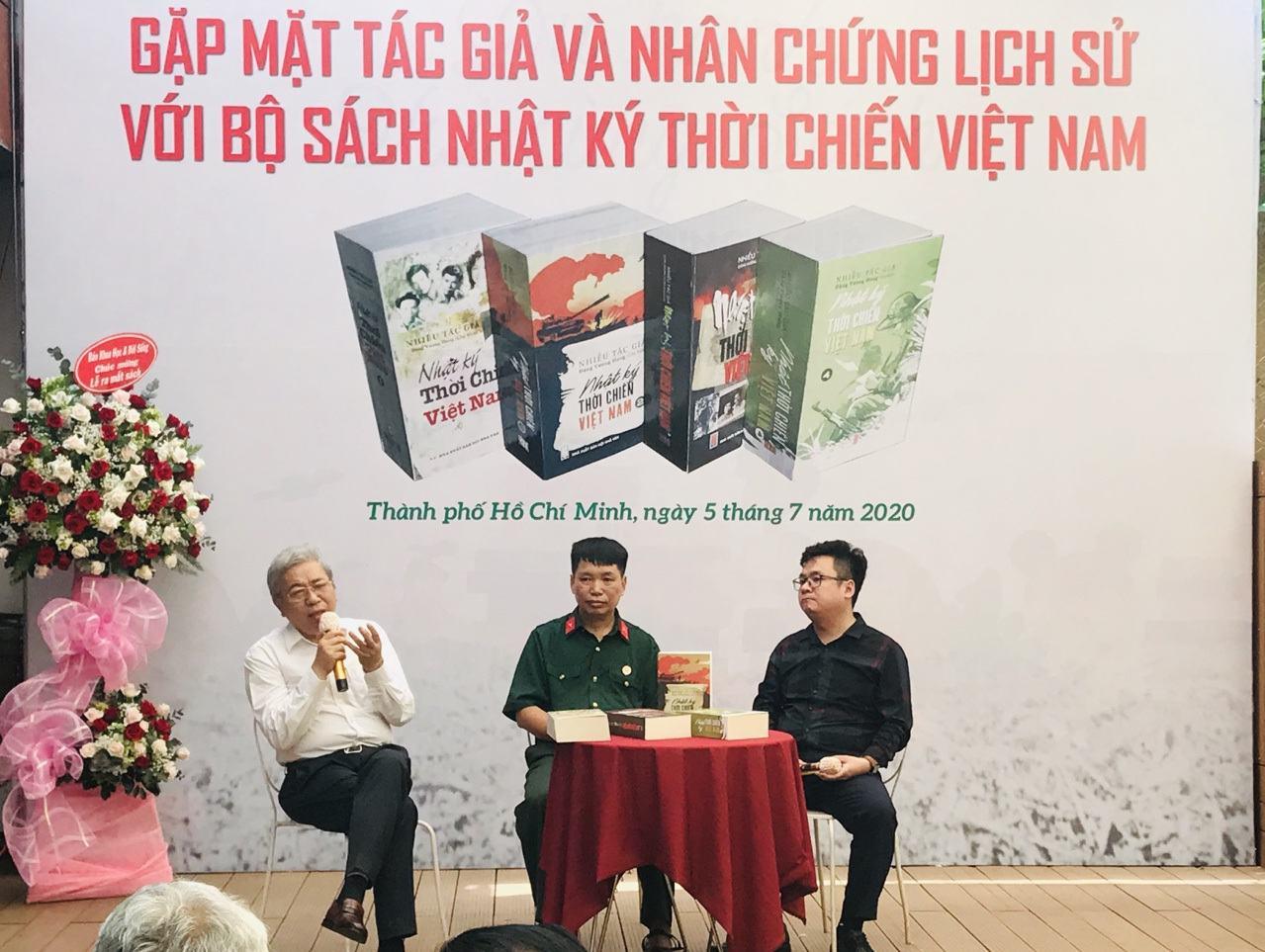 Ra mắt bộ sách Nhật ký thời chiến Việt Nam - 1
