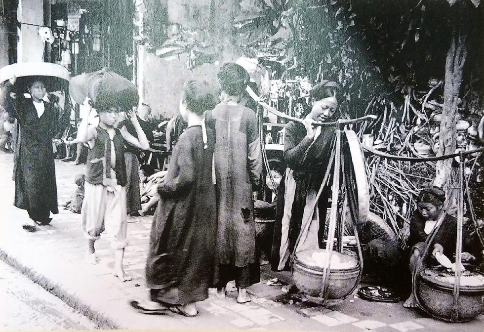 Ngắm hàng rong và nghe tiếng rao hàng trên phố Hà Nội xưa - Ảnh 6.