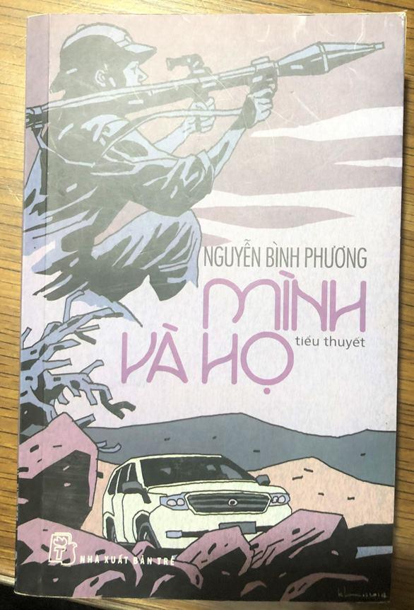 'Mình và họ' của Nguyễn Bình Phương được trao giải nhất, ông Hữu Thỉnh xin rút giải thưởng - Ảnh 2.