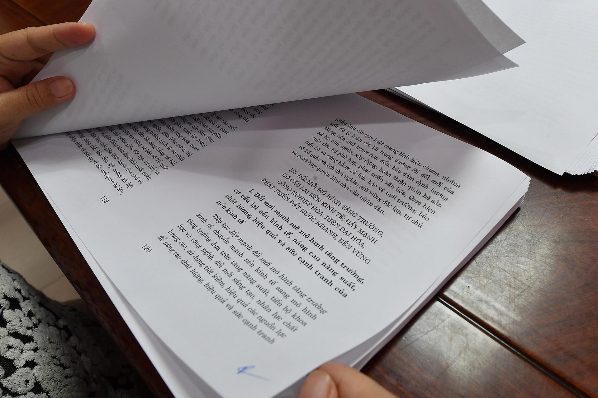 phat hanh Van kien Dai hoi Dang XIII anh 9