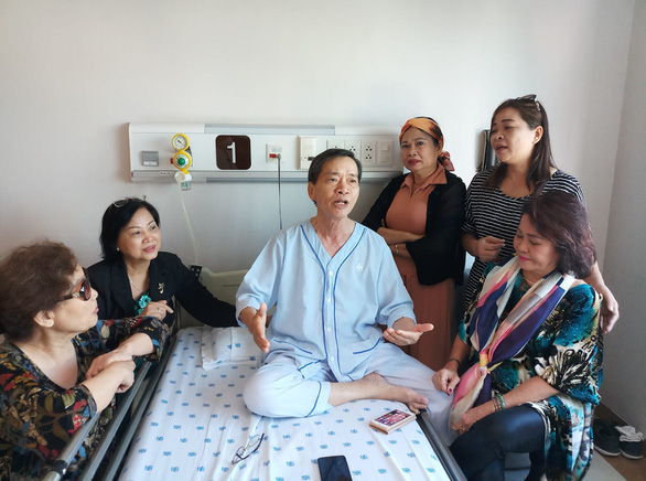 Nhà văn Triệu Xuân từ giã văn đàn ở tuổi 70 - Ảnh 2.