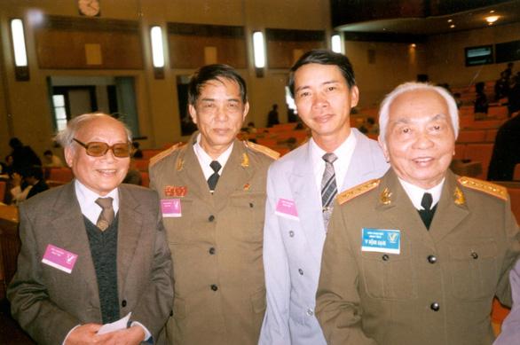 Nhà văn Triệu Xuân từ giã văn đàn ở tuổi 70 - Ảnh 1.
